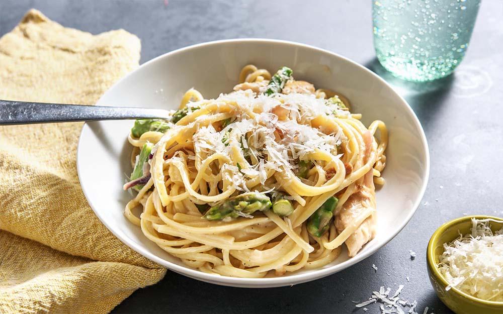 Lemony Chicken Linguine with asparagus,